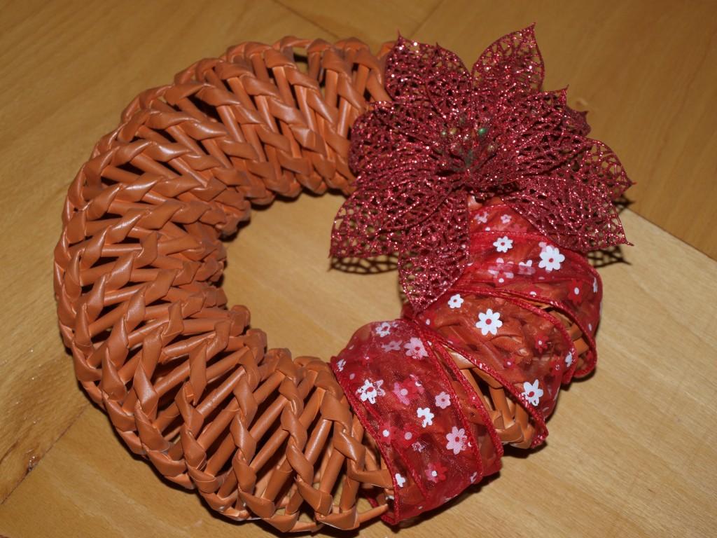 Pletení z papíru - věnec