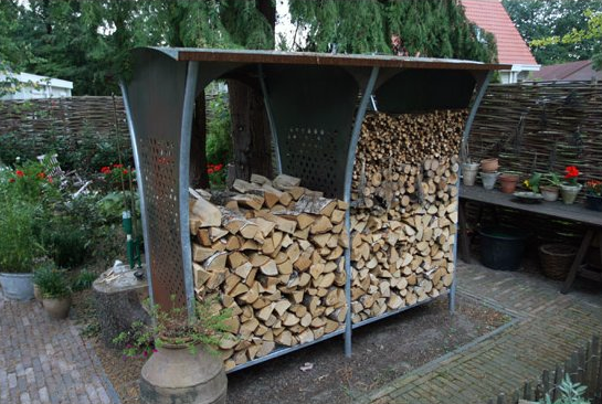 Dřevník