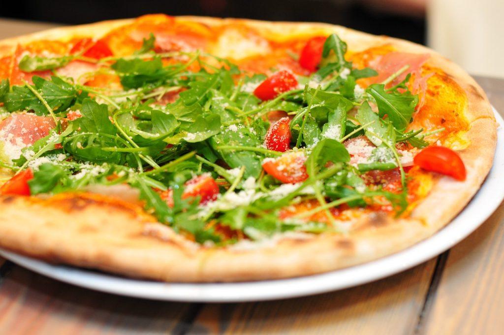 Rukola na pizze