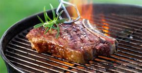 Masové pochoutky na grilu