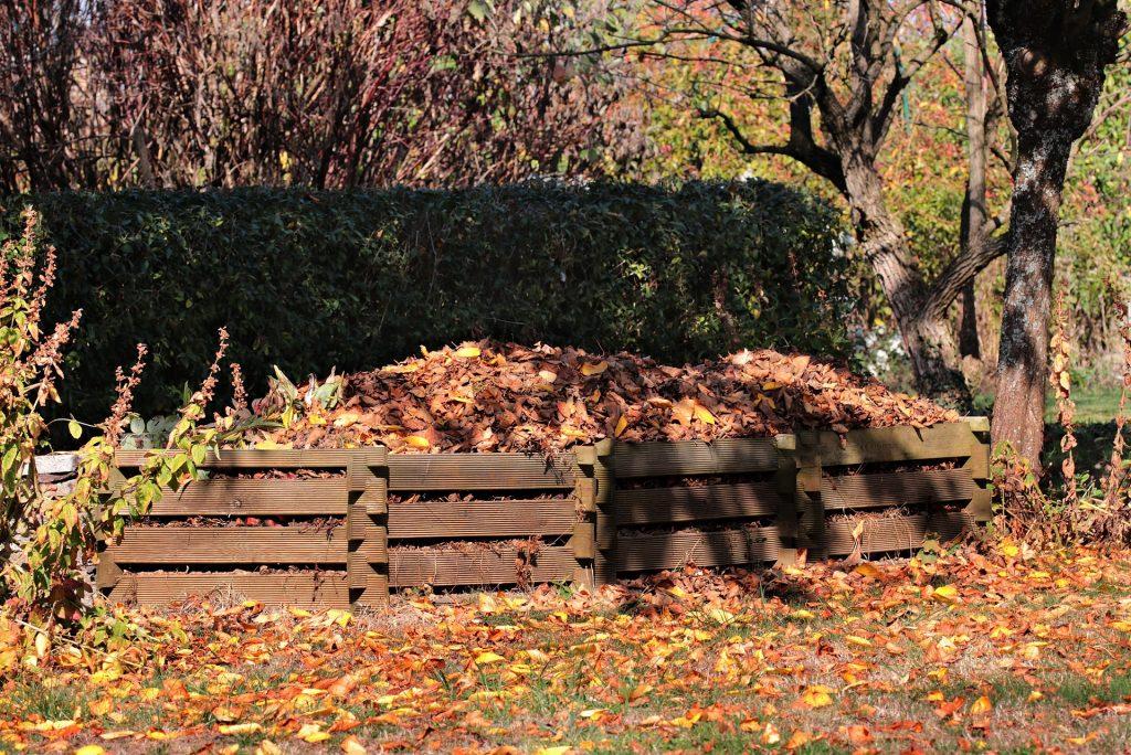 Kompostované listí