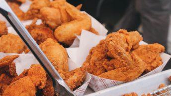 Náklady na otevření restaurace zaměřené na americké kuře