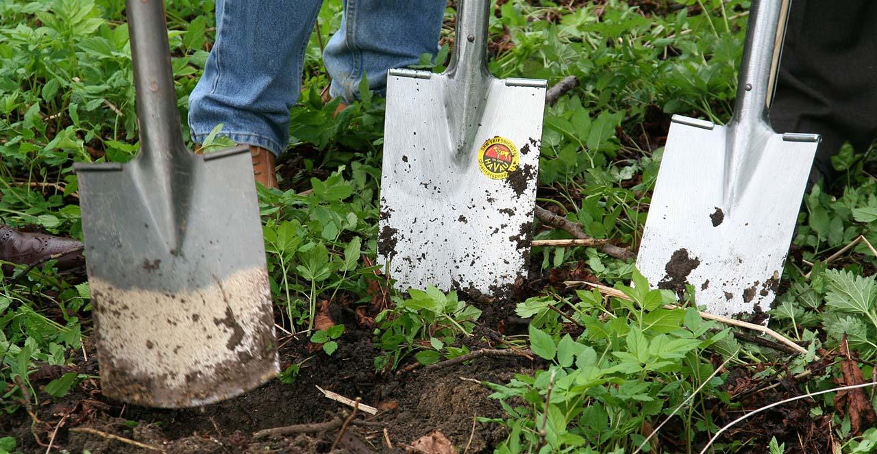 Zahradničení: Nářadí a ochranné pomůcky