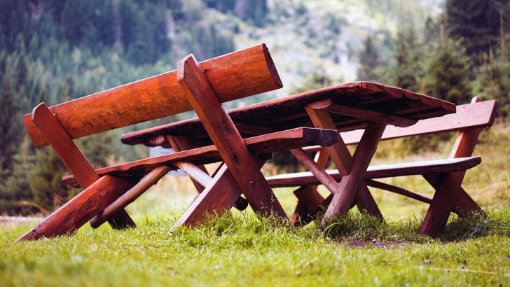 Jak postavit zahradní stůl